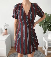 Csíkos gombos ruha