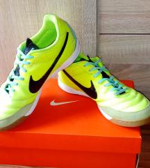 Nike tiempo teremcipő