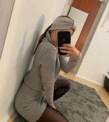 Garbós pulóver ruha