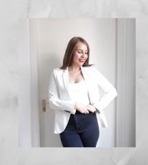 Zara fekete-fehér csíkos blézer
