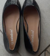 Fekete topán