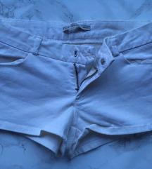 P&B fehér short