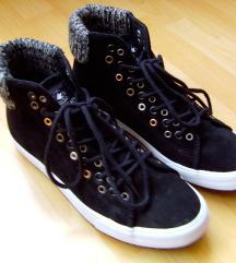 Női magasszárú cipő  ( EU 41 , UK 7 -es méret )