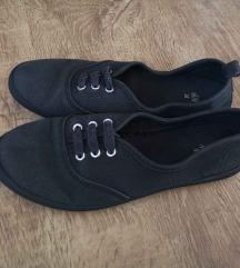 H & M fekete 38 vászoncipő