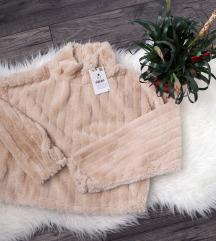 Címkés Bershka pihepuha pulóver
