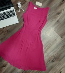 Új címkés magenta ruha