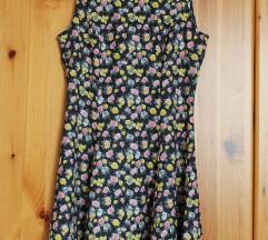 Sosem hordott H&M DIVIDED virágos ruha