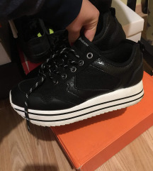 Strandvarius cipő 38