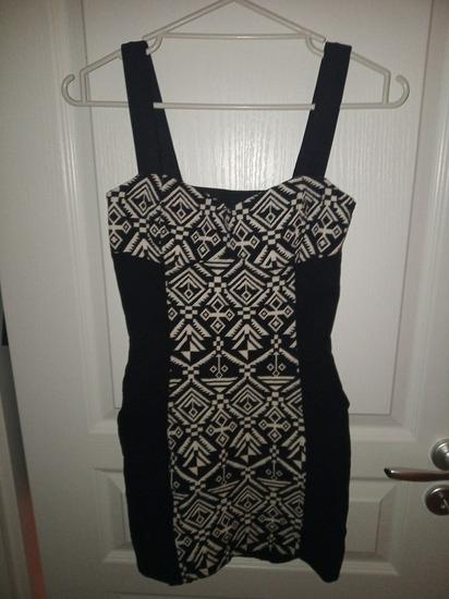 H&M aztékmintás fekete hátán kivágott XS-es ruha