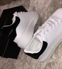 McQueen cipő