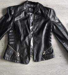 Fekete műbőr kabát