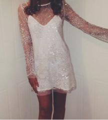 Gyönyörű fehér csillogó ruha