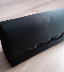 Többféleképpen variálható fekete alkalmi táska