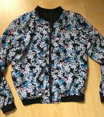 tavaszi virágmintás kabátka