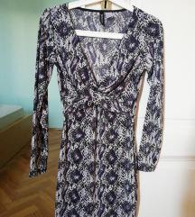 H&M pitonmintás ruha