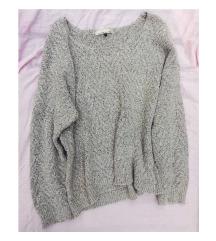 Szürke, kötött pulcsi