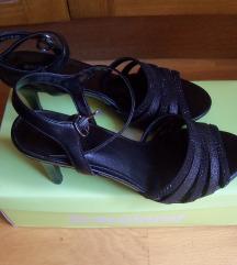 Fekete elegáns magas sarkú cipő