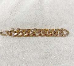 Aranyszínű kapcsos karkötő
