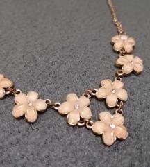 Claires virágos nyaklánc