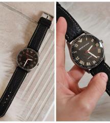 Emporio Armani férfi fekete bőrszíjas óra