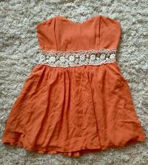 Csipkederekú ruha
