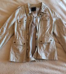 Átmeneti szegecses kabát