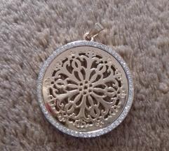 Aranyszínű medál