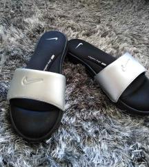 Nike papucs eladó!