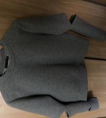 Boohoo x Jordyn Woods cropped pulóver