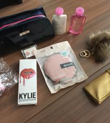 Új kozmetikai szett Bvlgari Kylie Jenner Kors
