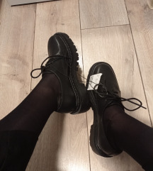 Új, címkés chunky oxford cipő