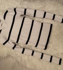 Bershka Black/White Ribbed Sweater