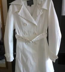 Elegáns ekrü/fehér félhosszú kabát L méret