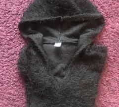 Szőrös kapucnis bebújós pulóver