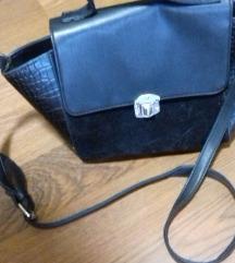 Fekete kis táska (postával együtt)