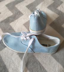 Egyszerű, kék tornacipő 39-es