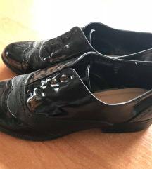 Oxford stílusú cipő