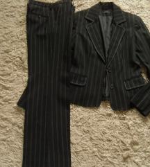 Vera Mode fekete, csíkos kosztüm 38-as
