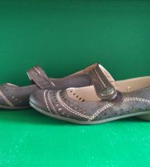 Eladó használt női cipő