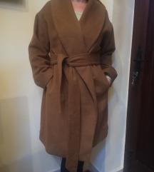 Gyapjú teve színű kabát