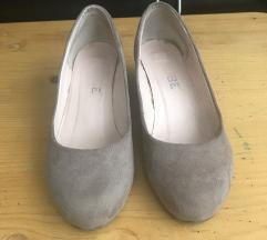 Drapp női telitalpú cipő eladó
