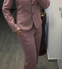 Rózsaszín kosztüm szett csípőnadrággal