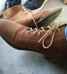 Tavaszi velurbőr cipő