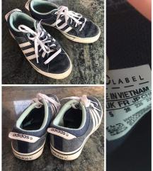 Adidas rövidszárú cipő