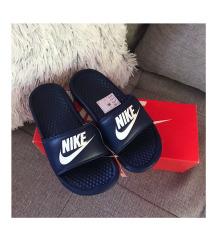 ÚJ! Eredeti Nike papucs