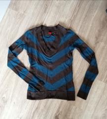 Vékony kötött pulcsi