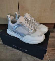 Tommy Hilfiger sneakers 37-es