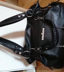 Új fekete táska