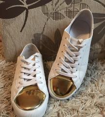 Pull&Bear fehér-arany cipő