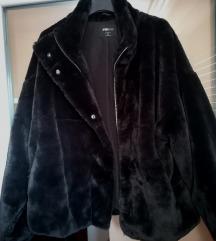 Fekete műszőrme kabát, New Yorkeres